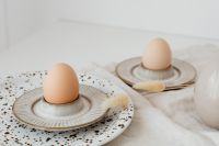 Beige Easter table setting - quail eggs - neutral colors - natural eggs