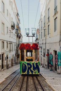 Kaboompics - The Gloria Funicular (Elevador da Glória) in the city center of Lisbon, Portugal