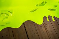 Kaboompics - Lime art installation on a wooden floor