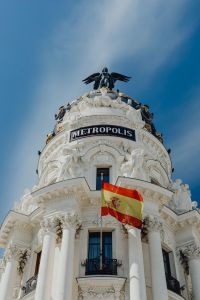 Kaboompics - The Metropolis Building or Edificio Metrópolis, Madrid, Spain