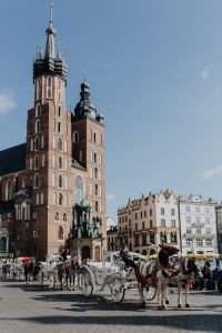 Kaboompics - St. Mary's basilica in main square of Cracow, Poland