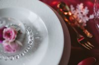 Kaboompics - Table Decorations for Valentine: White Plate