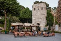 Kaboompics - Piazza with Villa Ruffolo's entry tower, Ravello