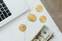 Kaboompics - Finances - US Dollars and Bitcoins - Currency - Money