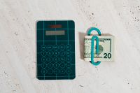 Calculator with US dollars