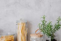 Kaboompics - Rosemary in a pot - pasta - wheat flour