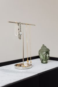 Kaboompics - Jewellery stand on marble
