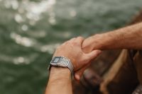 Kaboompics - Closeup vinatage watch on wrist of man