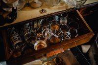 Kaboompics - Antique shop filled with antiquity