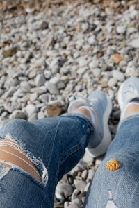 Kaboompics - A little shell on the jeans pants