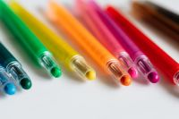 Kaboompics - Multicolored crayons