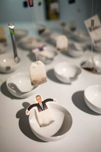 Kaboompics - Funny tea bags and little white cups