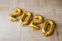 Kaboompics - New Year's Eve - Golden balloons in the shape of the year 2020