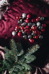 Kaboompics - Burgundy Christmas Decorations