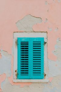 Kaboompics - Window with turquoise shutters, Rovinj, Croatia