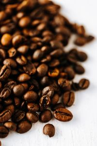 Kaboompics - Dark roast coffee beans background