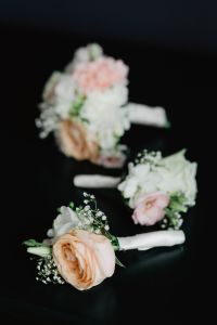 Kaboompics - Flowers for a Boutonnière