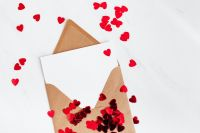 Kaboompics - Postcard- Copy Space - Confetti