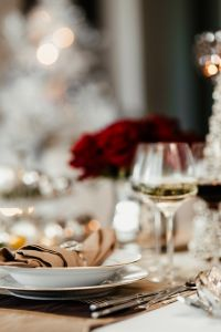 Kaboompics - Close-up of the porcelain tableware on the Christmas table