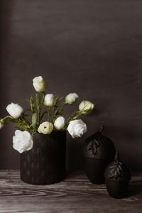 Kaboompics - Dark mood home decorations with flowers