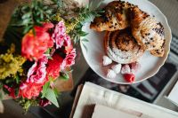 Kaboompics - Flowers - Cinnamon Rolls and croissant