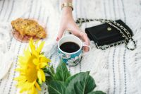 Kaboompics - Resting on a blanket