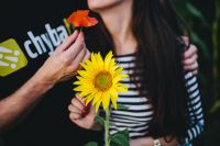 Kaboompics - Young couple with sunflower