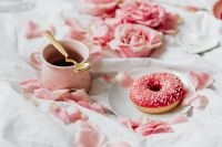 Pink rosses - Coffee - Donut