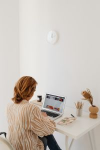 Kaboompics - A woman works at her desk - home office