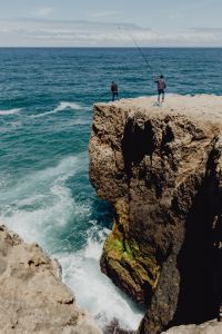 Kaboompics - Fishermen with a fishing pole, Cliff on the Western Seaboard of Algarve, Praia da Amoreira, Portugal