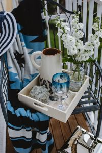 Seaside Style: Nautical Balcony Decor