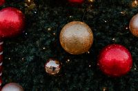 Kaboompics - Red Christmas tree ornaments