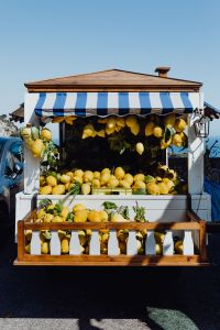 Kaboompics - Lemon stall along the Amalfi Drive