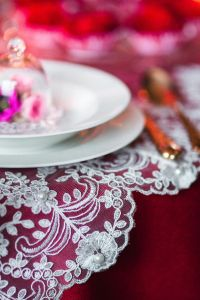 Kaboompics - Table Decorations for Valentine: Beautiful Table Runner