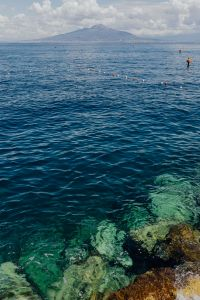Kaboompics - View of the Italian volcano Vesuvius across the Bay of Naples from Sorrento, Italy