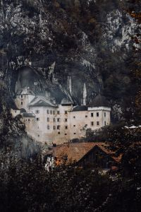 Kaboompics - Predjama castle at the cave mouth in Postojna, Slovenia