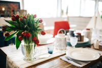 Kaboompics - Table decorations with red flowers