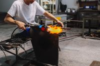 Kaboompics - Glassworker in action in the Murano glass factory