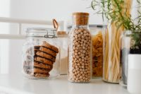 Kaboompics - Chocolate chip cookies in a jar and chickpeas