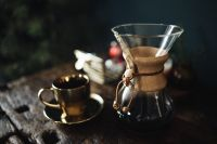Kaboompics - Cup of coffee & Chemex