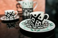 Kaboompics - Black-and-white teacups with saucers
