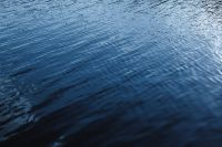 Kaboompics - Dark blue water wallpaper - backgrounds