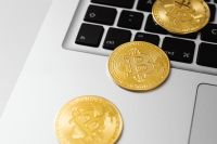 Kaboompics - Cryptocurrency Bitcoin coins