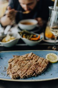 Kaboompics - Sesame Crusted Tuna Steak